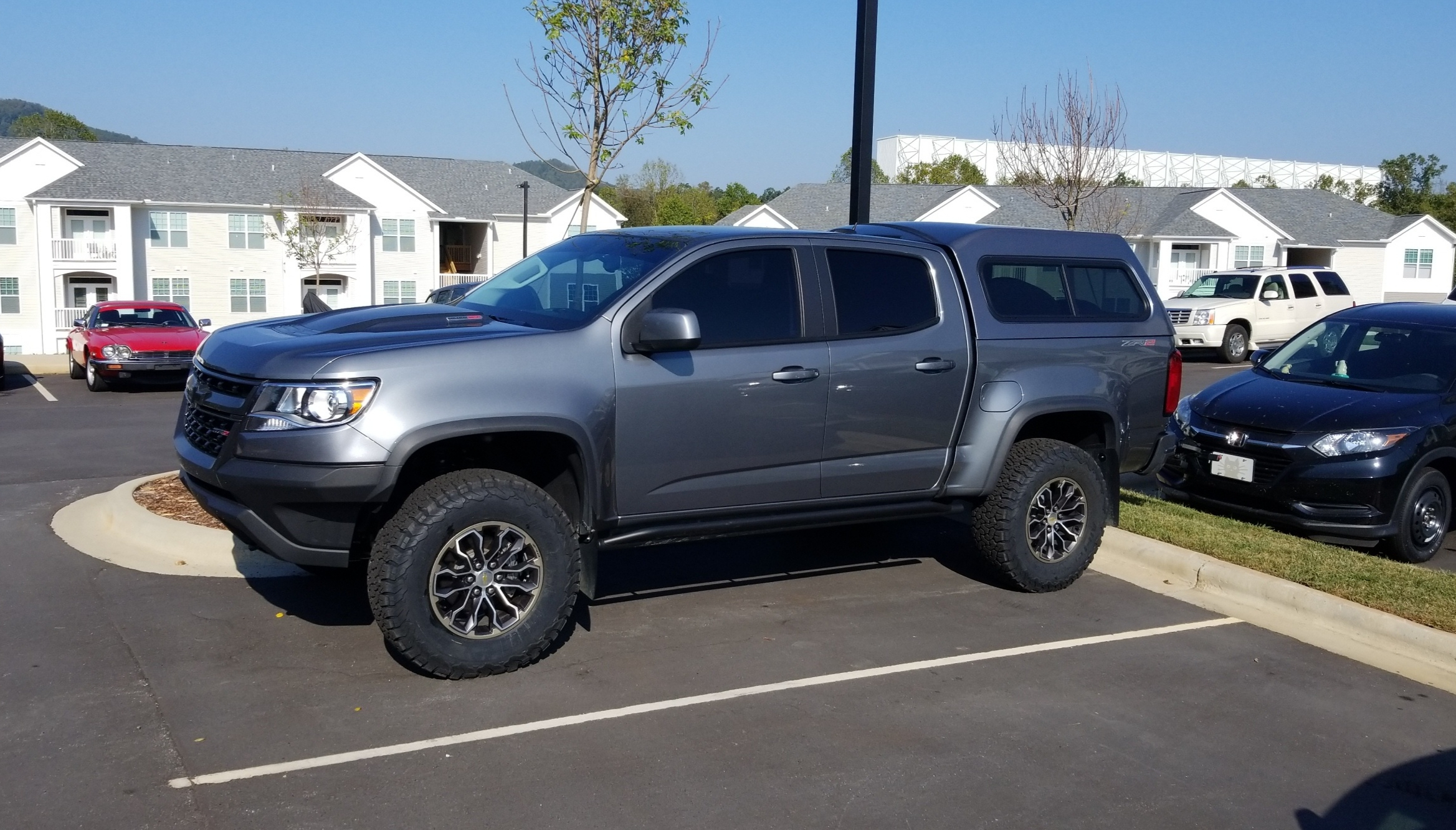 Sold Leer 180 Camper Shell 2nd Gen 1000 Chevy Colorado Gmc Canyon