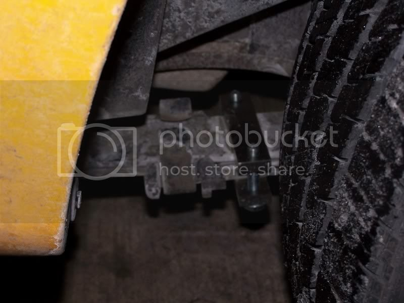 clamping the leaf spring pack = no more wheel hop   Chevy Colorado