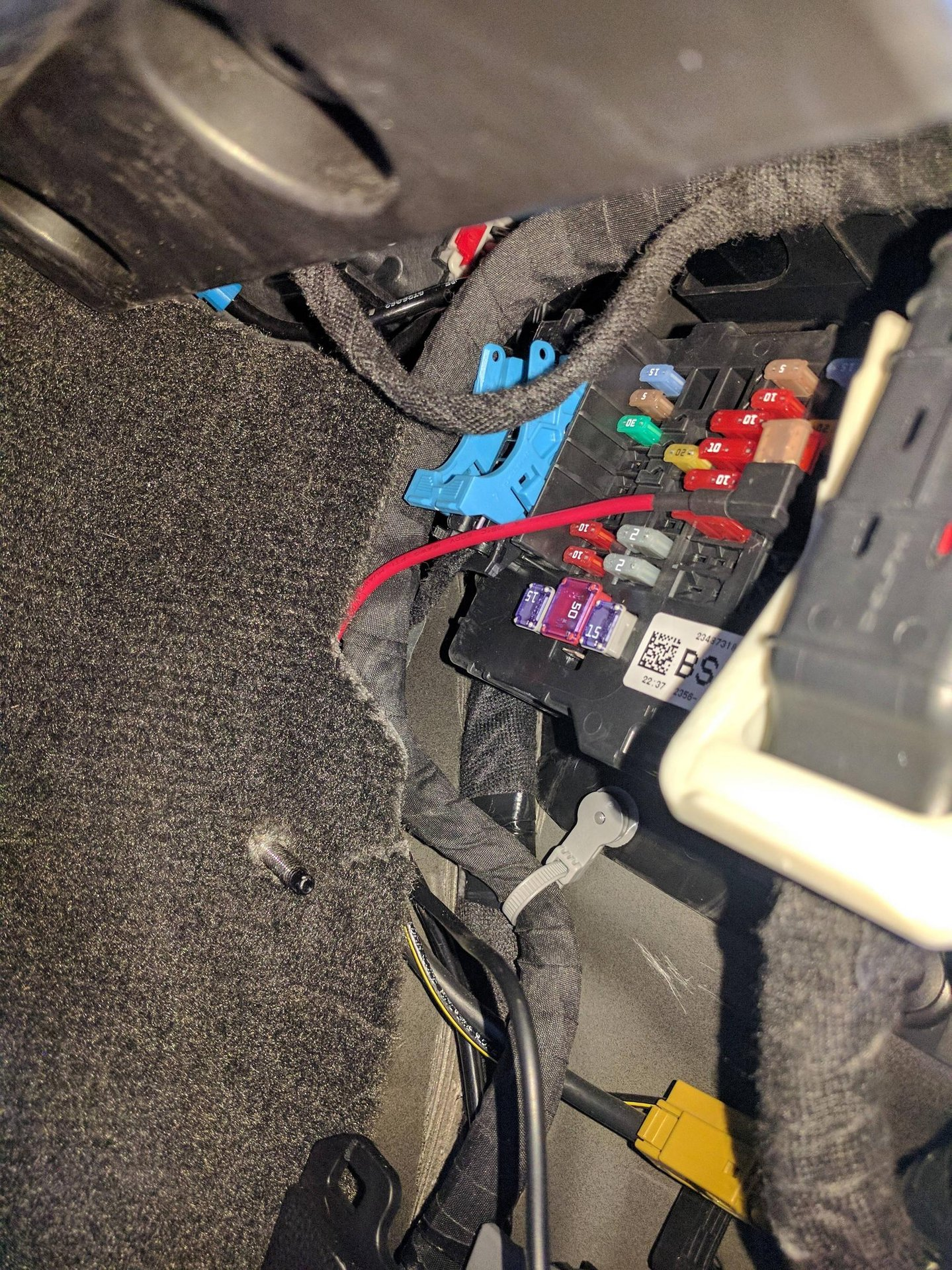 for the 2016 colorado, fuse f29 is only hot when the truck is on  so thats  the fuse i tapped into to power my dash cam