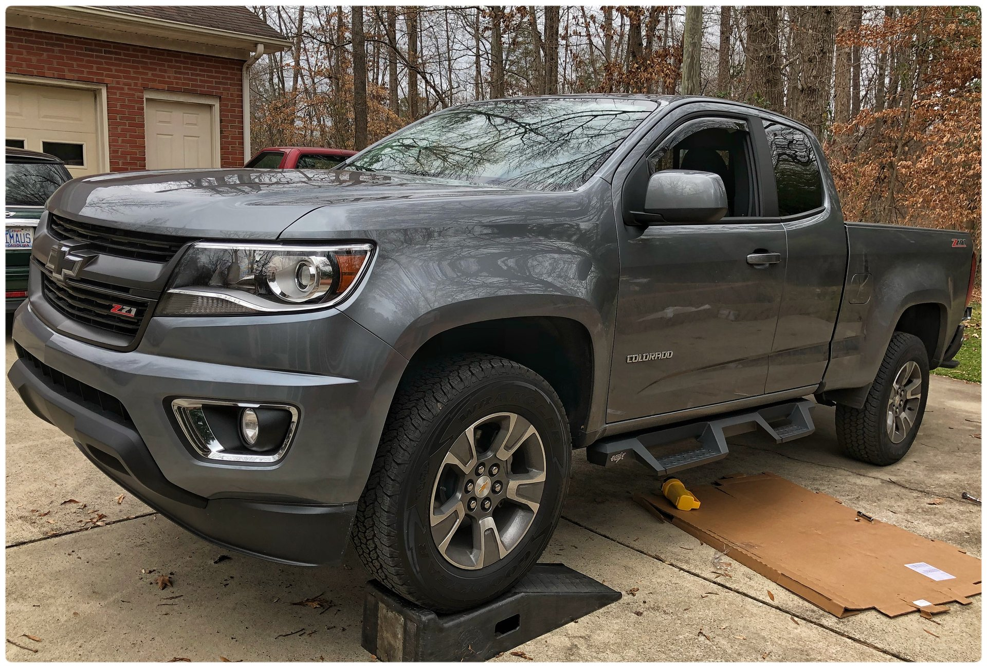 Side steps, running boards? Which ones? | Chevy Colorado ...